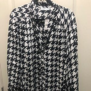 NWT 26/28 Cato Black/White Houndstooth Blouse
